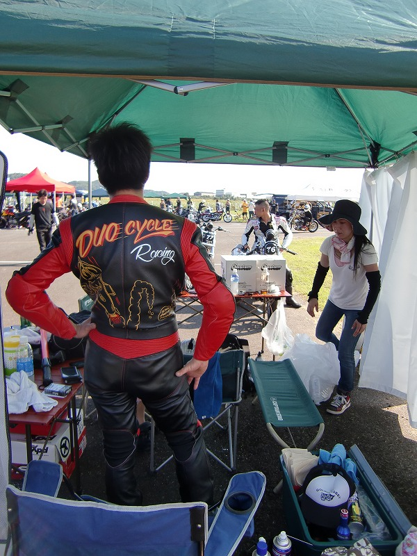 2011年7月 DRAG RACE!